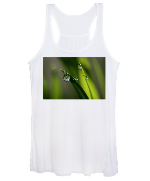 Rain Drops On Grass Women's Tank Top