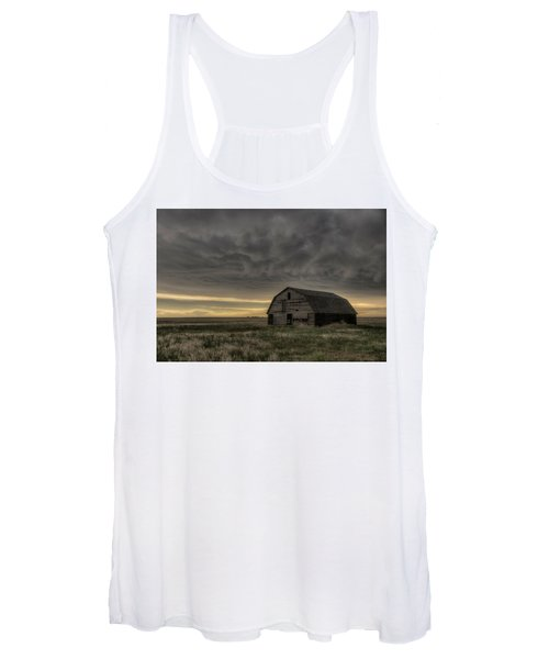 Clouds And Barn Women's Tank Top