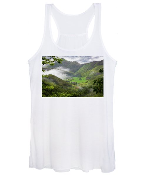 Misty Farm I Women's Tank Top