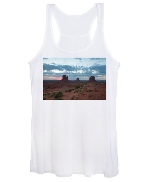 Monument Valley Before Sunrise Women's Tank Top