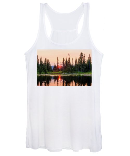 Sunrise From The Reflection Lake Women's Tank Top