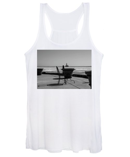Table For One Bw Women's Tank Top