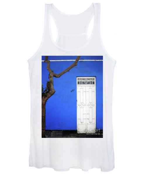 When A Tree Comes Knocking Women's Tank Top