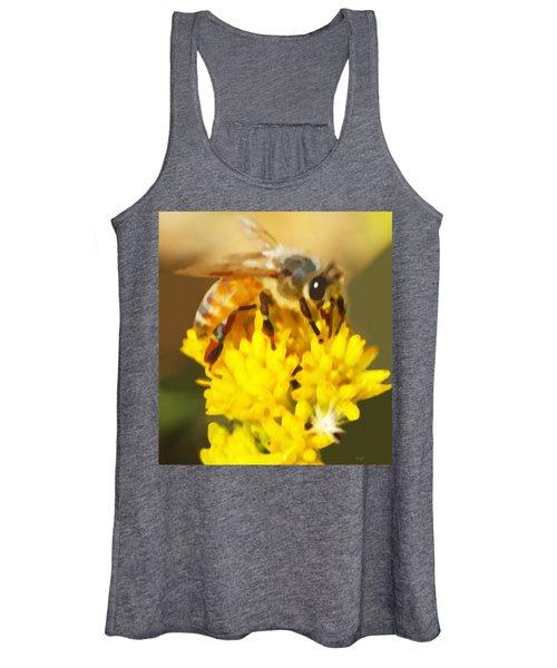 Bee On A Yellow Flower Women's Tank Top