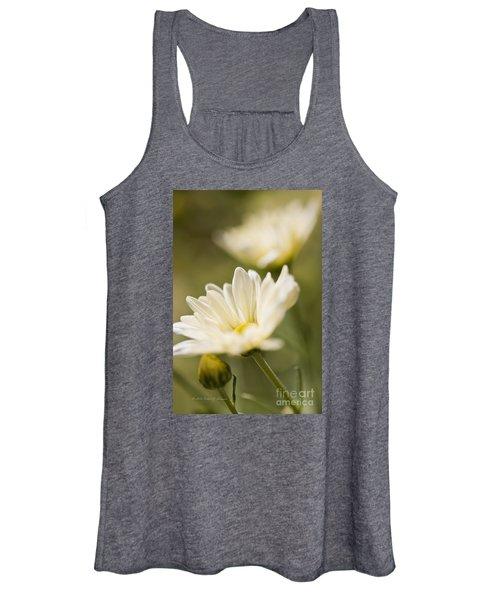 Chrysanthemum Flowers Women's Tank Top