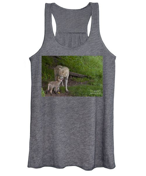 Arctic Wolf And Pup Women's Tank Top
