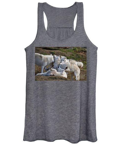 Arctic Wolf Pictures 1001 Women's Tank Top