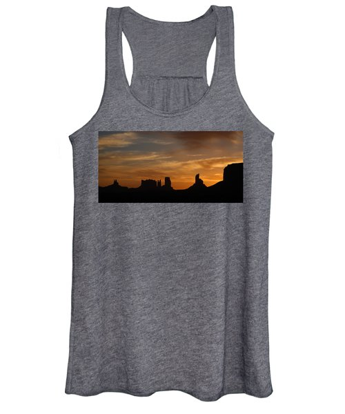 Early Sunrise Over Monument Valley Women's Tank Top