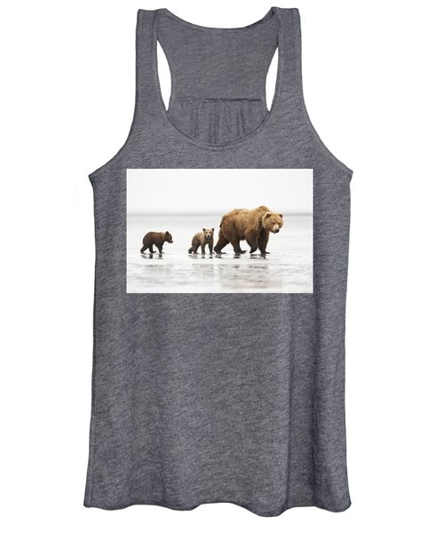 Grizzly Bear Mother And Cubs Lake Clark Women's Tank Top