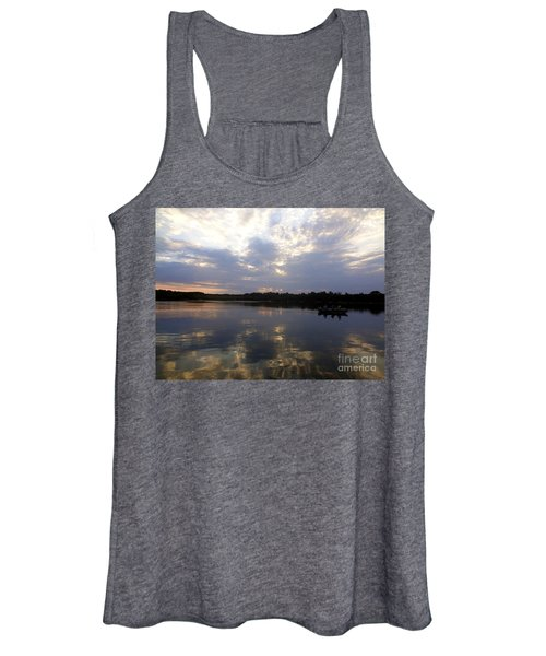 Heading Home On Lake Roosevelt In Outing Minnesota Women's Tank Top