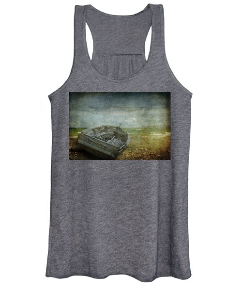 Lake Michigan Shipwreck Women's Tank Top