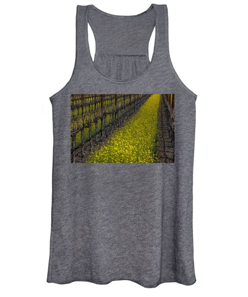 Mustrad Grass In The Vineyards Women's Tank Top