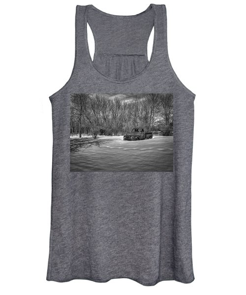 Old Timer In The Snow Women's Tank Top