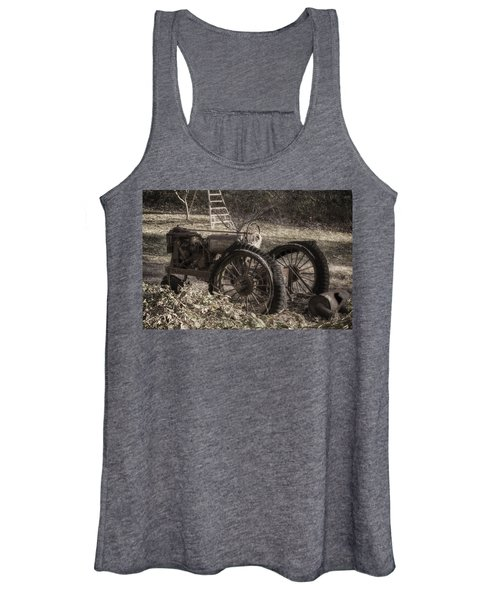 Old Tractor Women's Tank Top
