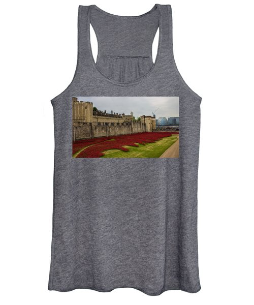 Poppies Tower Of London Women's Tank Top