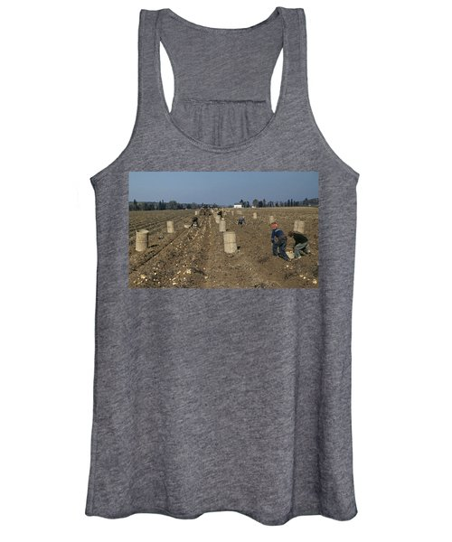 Potato Harvest, 1940 Women's Tank Top