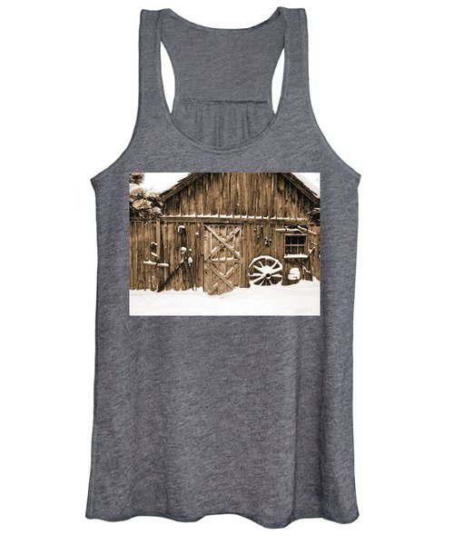 Snowy Old Barn Women's Tank Top