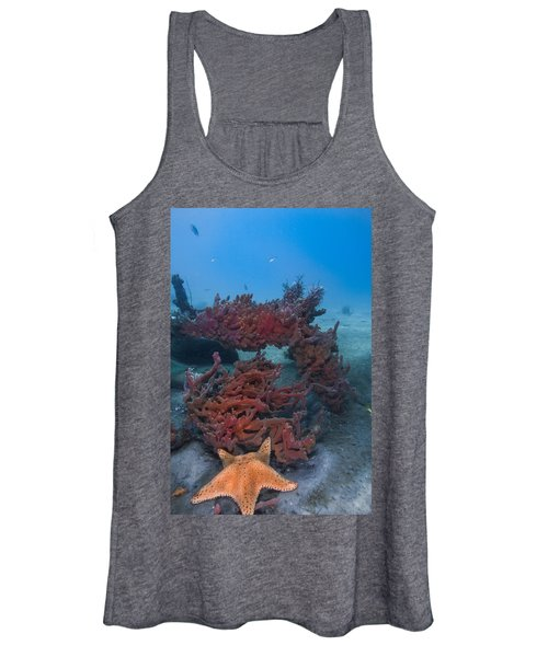 Sponges And A Star Women's Tank Top
