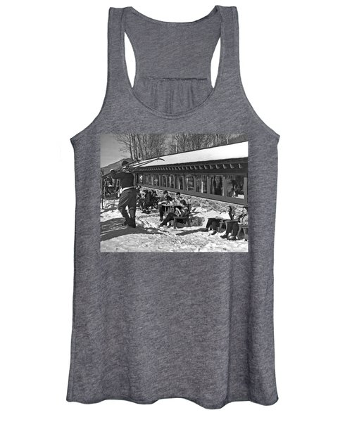Sunny Day After Skiing Women's Tank Top