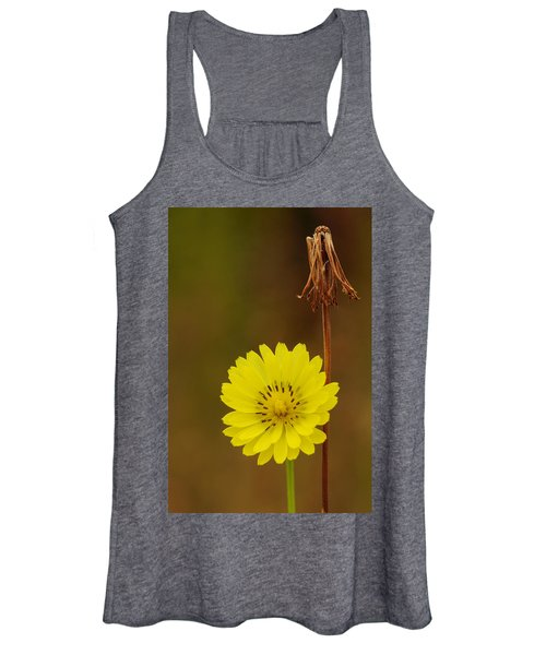 False Dandelion Flower With Wilted Fruit Women's Tank Top