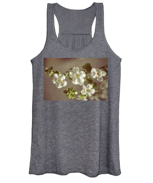 Giant Snowflakes Women's Tank Top