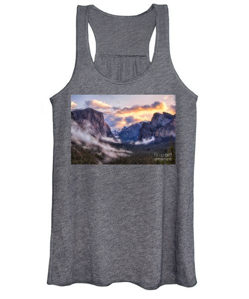Daybreak Over Yosemite Women's Tank Top