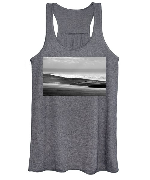 Light On The Dunes Women's Tank Top