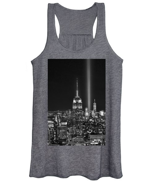 New York City Tribute In Lights Empire State Building Manhattan At Night Nyc Women's Tank Top