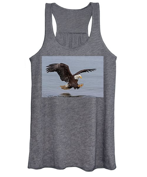 Bald Eagle Diving For Fish In Falling Snow Women's Tank Top