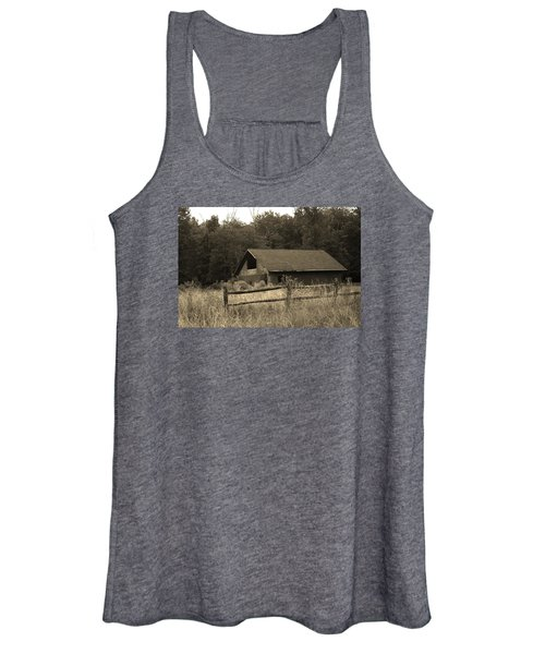 Barn And Fence Women's Tank Top