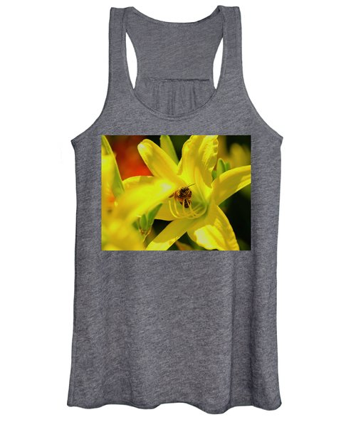 Bee On Yellow Lilly Women's Tank Top