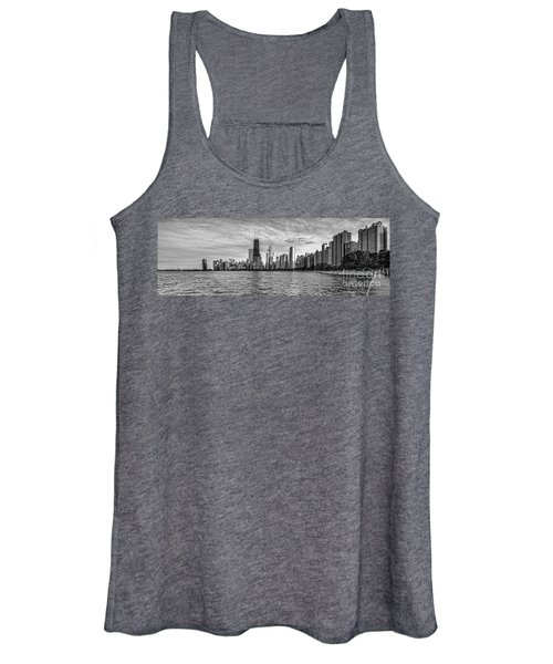Black And White Panorama Of Chicago From North Avenue Beach Lincoln Park - Chicago Illinois Women's Tank Top