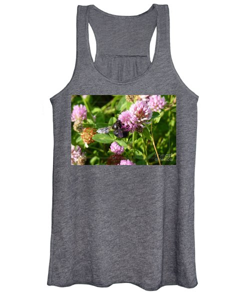 Black Bee On Small Purple Flower Women's Tank Top