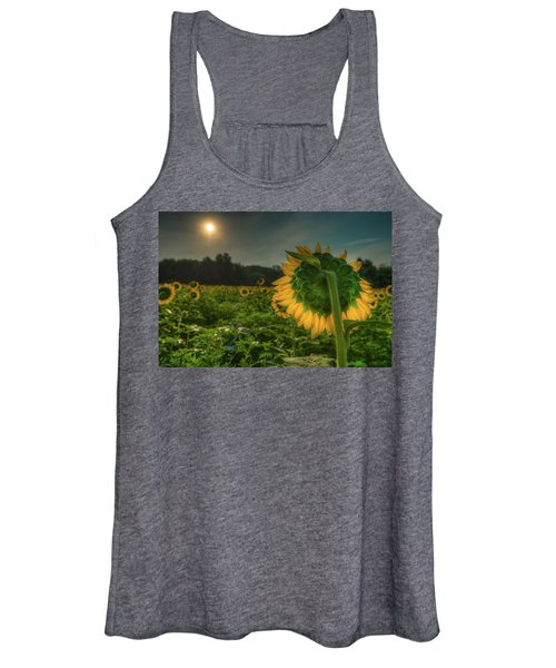 Blooming Sunflower Facing Rising Sun Women's Tank Top