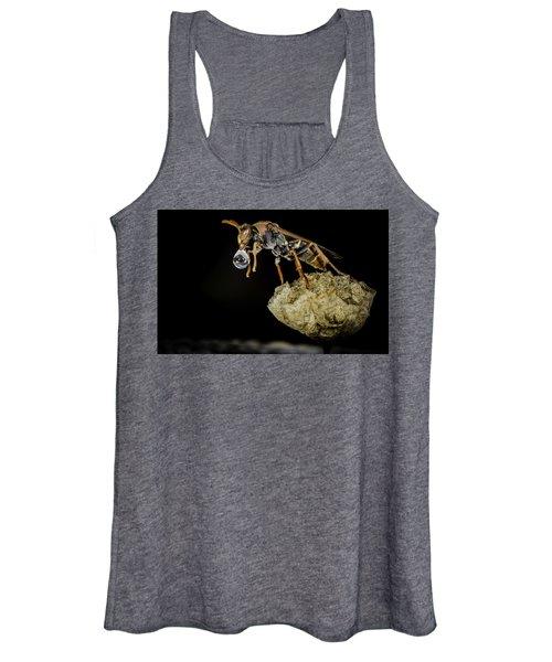 Bubble Blowing Wasp Women's Tank Top