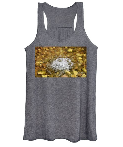 Bubbling Water In Rock Fountain Women's Tank Top