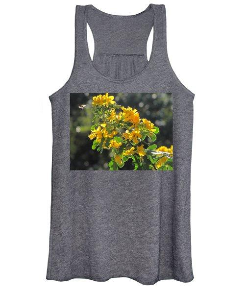 Catchlight Bee Over Yellow Blooms Women's Tank Top