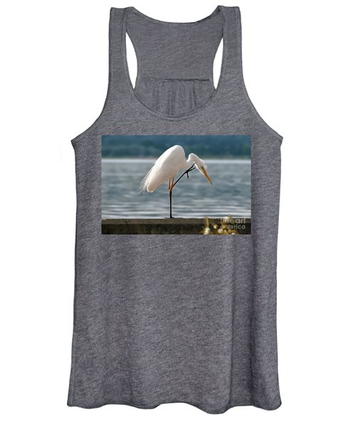 Cleaning White Egret Women's Tank Top