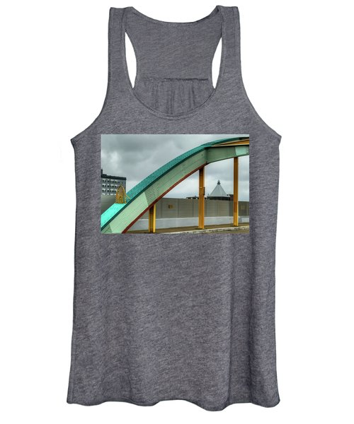 Curving Bridge Women's Tank Top