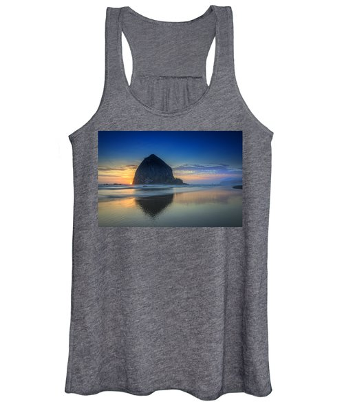 Day's End In Cannon Beach Women's Tank Top