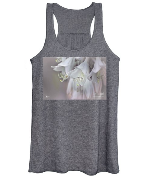 Delicate White Flowers Women's Tank Top