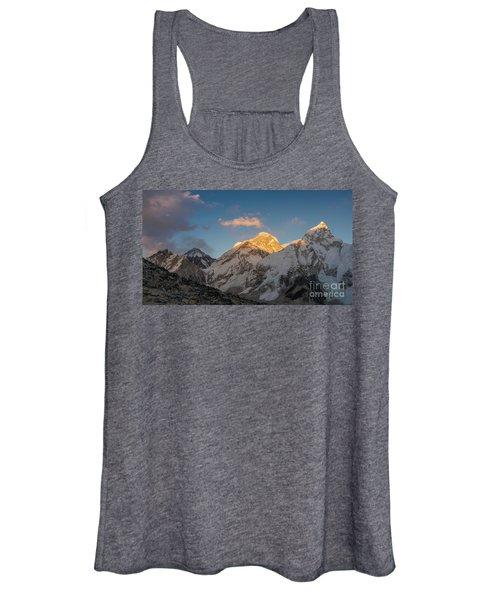 Everest And Lhotse Alpenglow Cloudscape Women's Tank Top