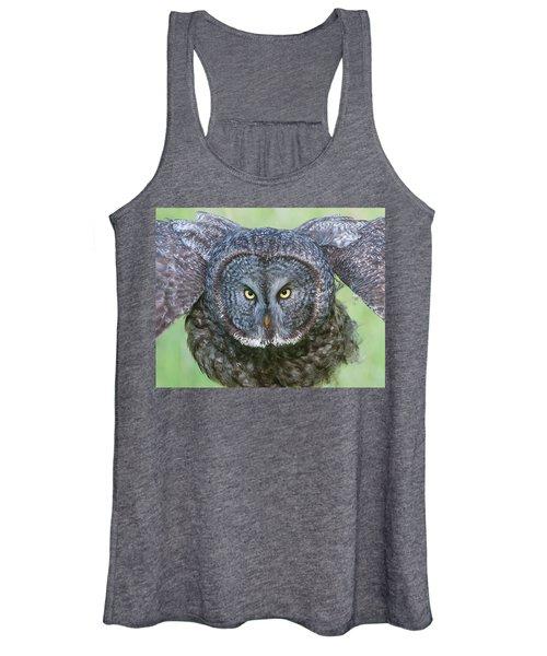Great Gray Owl Flight Portrait Women's Tank Top