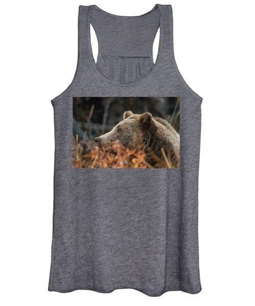 Grizzly Bear Portrait In Fall Women's Tank Top
