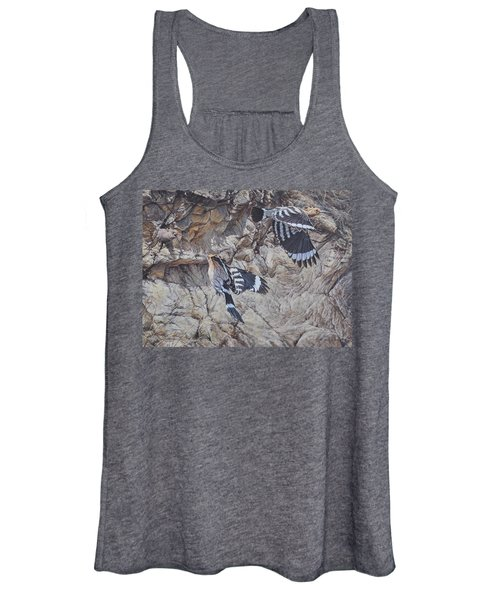 Hoopoes Feeding Women's Tank Top