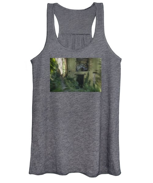 House With Bycicle Women's Tank Top