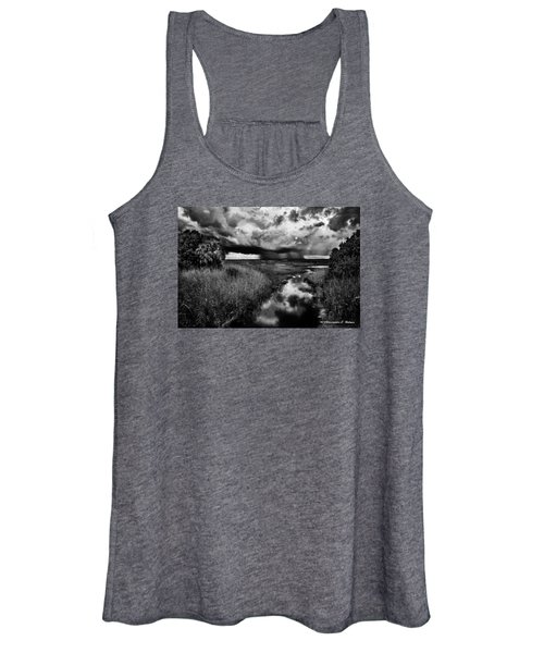 Isolated Shower - Bw Women's Tank Top