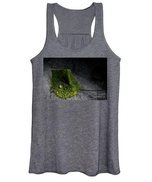 Leaf Droplets Women's Tank Top