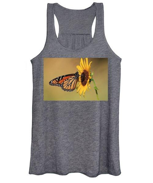 Monarch Butterfly On Sun Flower Women's Tank Top