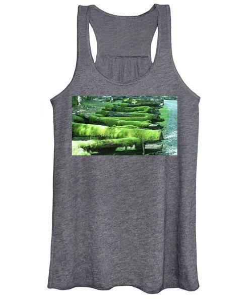 Mossy Fence Women's Tank Top
